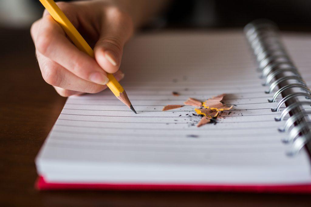 鉛筆の持ち方を変えると字が変わる! 〜美文字の法則〜