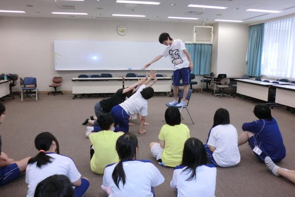 演劇の授業風景